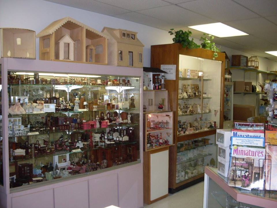 Wonderful Circus Dollhouse Store